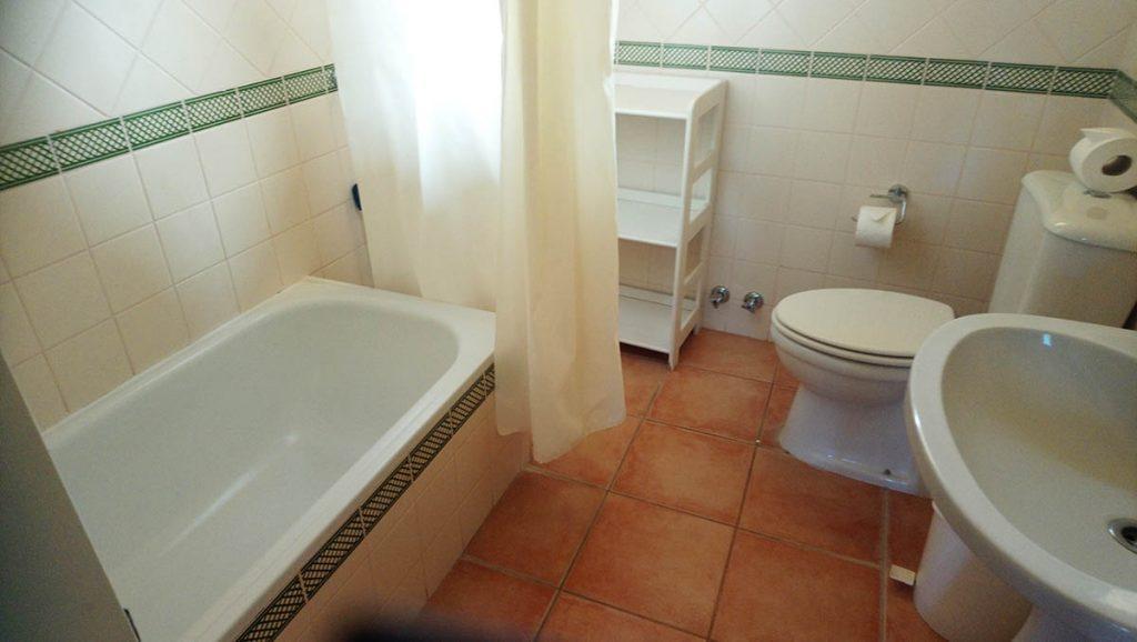 Japonica Large Bathroom